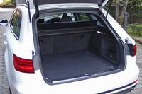 荷室の容量は505~1510リッター。リアシートの背もたれは3分割式となっており、長尺物の積載にも対応できる。