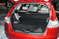 3列シートの新型ワゴン「トヨタ・マークX ジオ」デビューの画像