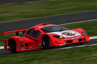GT300クラスで優勝したNo.43 ARTAガライヤ(新田守男/高木真一組)。