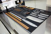 クレイモデラーが使用する工具の数々。