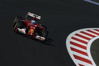 7番グリッドから6位に終わったフェラーリのフェルナンド・アロンソは、上位5台のメルセデス・パワーユニット勢に水をあけられた格好。フェラーリは燃料セーブに努めざるを得なかったという。16戦してスクーデリアは未勝利。このまま1年を通して勝てなければ、1993年以来となる、あしき記録を残すことになる。(Photo=Ferrari)