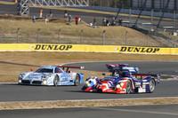 パレードラン「NISSAN RACING DNA」で先頭を走った、1999年のルマンに参戦した「R391」(写真手前)と、98年のルマンで星野一義・鈴木亜久里・影山正彦のドライブにより総合3位に入った「R390 GT1」。後方に見えるのは92年の全日本スポーツプロトタイプカー耐久選手権(JSPC)のチャンピオンマシンである「R92CP」。