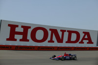 ホンダは米オープンホイールシリーズにもエンジン供給。1994年から2002年までCART(チャンプカー)を戦い、4回のマニュファクチャラーズタイトル、6回のドライバーズタイトルを獲得。2003年にIRLインディカーシリーズに鞍替え、インディ 500で優勝するなど活躍。2009年まで同シリーズにとどまることを表明している。
