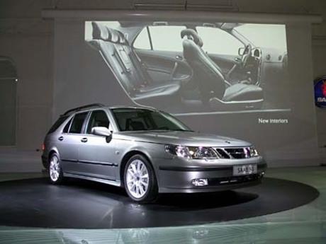 マイナーチェンジを受けたサーブ9-5シリーズ世界で最も小さな自動車量産メーカーにして、GMのプレミアムセ...