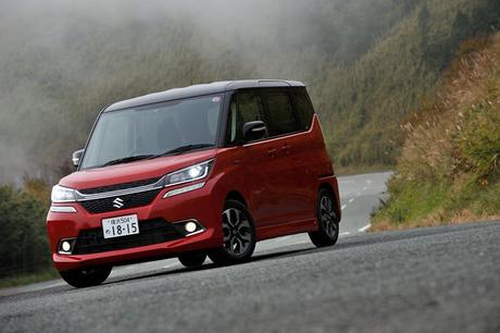 5ナンバーサイズのコンパクトカーと軽自動車の間という、絶妙なボディーサイズが特徴の「スズキ・ソリオ」...