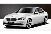 BMW7シリーズに1周年記念の特別仕様車の画像