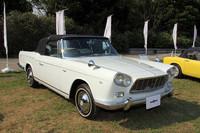 日本車は計4台がエントリー。クラスB「クラシック」(1931〜45年)の「ダットサン・ロードスター」、クラスD「モダンクラシック」(1961〜75年)の「トヨタ2000GT」、「ホンダS800」、そしてこの1962年「プリンス・スカイラインスポーツ・コンバーチブル」である。初代スカイラインのシャシーにミケロッティが手がけたクーペまたはコンバーチブルを架装したモデルで、手づくりで60台のみが作られた。
