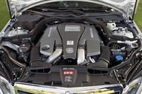 排気量を縮小しながらも11%のトルクアップを果たした新エンジン。アイドリングストップ機能(走行モードにより作動、任意でカットオフも可能)が付くなど、環境性能にも配慮される。