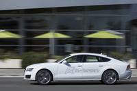 アウディのFCV「A7スポーツバック h-tronクワトロ」。電気自動車やプラグインハイブリッド車が「e-tron」、天然ガス車が「g-tron」であるのに対し、燃料電池車は「h-tron」と呼ばれる。