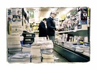 元『NAVI』編集長、現『GQ JAPAN』編集長の鈴木正文さんへのロングインタビューを掲載。「紙のメディアにも必ずルネサンスはある。初心に返り、生き残るためにはデジタル・メディアを活用すること」