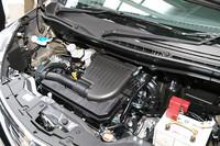 カタログ燃費(10・15モード)は、FF車の「G」が22.5km/リッター、「X」「S」が21.0km/リッターとなる。