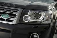 ヘッドランプユニット内には新たにLEDのシグネチャーライトが採用された。