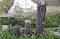 遍路用の案内設備は昔からあった。今でも江戸時代、明治大正時代の遍路石があちこちに残っている。ほとんど土地のお金持ちが立てたというが、昔から優しい人は多かった。