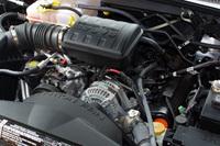 レネゲードに搭載されるエンジンは3種類。3.7リッターガソリンV6と2.8リッター直4ディーゼルターボには、4段ATが組み合わされる。欧州では、さらに2.5リッター直4ディーゼルターボ+5段MT仕様が販売される。