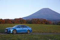テスト車には「ジャパンカラーセレクションパッケージ」としてオプション設定される、「天空(ソラ)ピュアブルーメタリック」というボディーカラーが用いられていた。