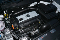 第352回:密かな大発見! ベンツE&BMW 5より全然イイかも? VWパサートTSIコンフォートライン