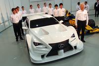 SUPER GTは6チーム体制でエントリー。レギュレーションの変更にともない、今季からはニューマシン「レクサスRC F」が投入される。