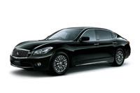 三菱、「シーマ」ベースの最上級車を発売