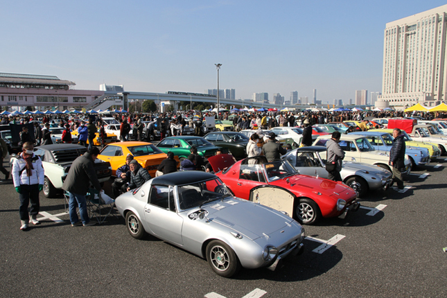 個人出展車両を対象として毎回実施されているコンクールデレガンスの、今回のテーマカーはトヨタ車。51台が参加した。