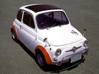 「アバルト」は、主にフィアットをベースに1950年代後半から1960年代にかけて活躍したチューニングカーメーカー(写真は、695SSベルリーナ・アセット・コルサ)。2007年6月には、そのブランドがフィアットの100%子会社として独立、同10月からはイタリア本国でコンプリートカーやアフターパーツの販売が始まった。