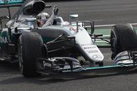 予選、決勝を通じロズベルグを上回るパフォーマンスを見せたハミルトン(写真)はアメリカ、メキシコと2連勝し、ロズベルグとのポイント差を19点まで縮めた。また通算勝利数で歴代2位のアラン・プロストと並ぶ「51勝」を記録。ミハエル・シューマッハーの91勝に次ぐ歴史に残るレコードだ。(Photo=Mercedes)