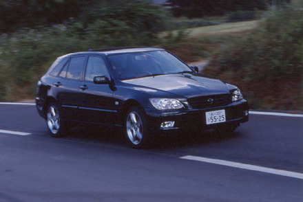 トヨタ・アルテッツァジータ 4WD AS300 Lエディション(4AT)【ブリーフテスト】
