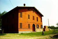 チェント村にて。フェルッチョ・ランボルギーニの生家。