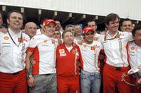 フェラーリはチームプレイでドライバーズタイトルを獲得。大逆転チャンピオンとなったライコネンの影には、僚友フェリッペ・マッサの2位入賞というサポートがあった。(写真=Ferrari)