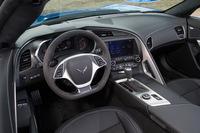 インテリアの意匠については標準モデルの「コルベット」から大きな変更はない。日本仕様では標準装備となるインフォテインメントシステムは「Apple CarPlay」に対応している。
