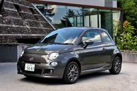 """MT仕様の「フィアット500」がカタログモデルに""""格上げ""""された。2012年7月に発売された250台限定のMT仕様車「500スポーツ プラス」は約1カ月で完売になったという。"""