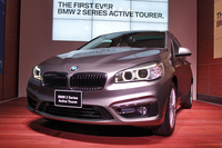「BMW 218i アクティブツアラー ラグジュアリー」
