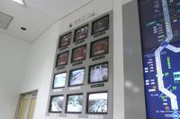 東京アクアラインは監視重点箇所ということで、別モニターで監視される。