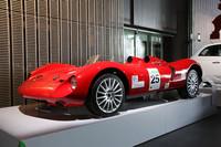 1960年代のレーシングスポーツ「ビッザリーニP538」の車体に直噴エンジンとモーターを組み合わせたパラレルプラグイン式のハイブリッドマシン「エコ・タルガ・フローリオ」。最高出力275psで最高速度238km/hという。
