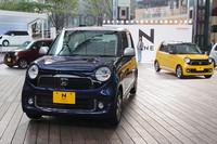 2012年11月に都内で開催された、発表会でのひとこま。「ホンダN-ONE」には単色で11色、ツートンカラーで5色のボディーカラーが用意される。