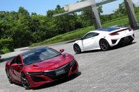 いよいよ日本導入が発表された新型「ホンダNSX」。ハイブリッドシステム「スポーツハイブリッドSH-AWD」の搭載や、2370万円という価格などが話題を呼んでいる。