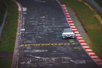 ドイツのニュルブルクリンクサーキットを走る「メガーヌ ルノースポール トロフィーR」