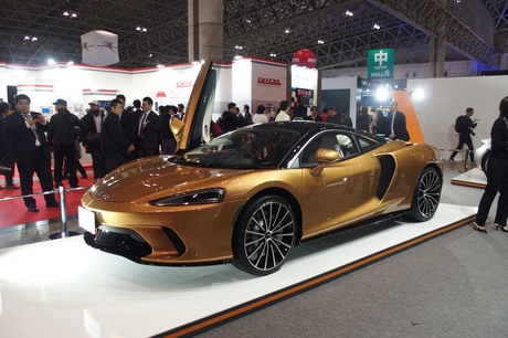 マクラーレン・オートモーティブは東京オートサロン2020に初出展し、新型ミドシップモデル「マクラーレンGT...
