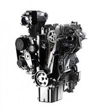 ひょろりとした細身のシルエットが印象的な、新開発の2気筒エンジン「ツインエア」。