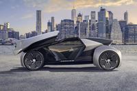ジャガー、完全自動運転車のプロトタイプを発表の画像