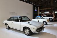 「デザインのヘリテージ」をテーマに掲げたマツダは、同社デザインの過去から現在、そして未来までを年代ごとにゾーニング。国内初披露となる「MX-5 RF」を含め、メーカーとしては最多の7台を展示した。これは「1960年 デザイン創成期」の展示で、手前から69年「ルーチェ ロータリークーペ」、60年「R360クーペ」、そして67年「コスモスポーツ」。