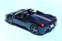 今回のテスト車は、フェラーリの特注カスタマイズサービス「フェラーリ・テーラーメイド」によるドレスアップ車両。ベースモデルは、日本では2011年10月にデビューした「458スパイダー」だ。