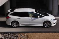 「ジェイド」の全高は、ルーフアンテナを含め1530mm。多くの立体駐車場に入庫可能なサイズ。