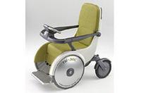 スズキ、電動車いすのコンセプトモデルを発表の画像