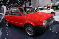 セアトが一角に据えていたのは、1984年「セアト・イビーザ」。過度にエモーショナルなデザインの小型車があふれるなか、そのフォルムは一服の清涼感を見る者に与える。