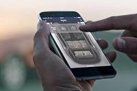 シートのアレンジは、スマートフォンによる遠隔操作でも可能。