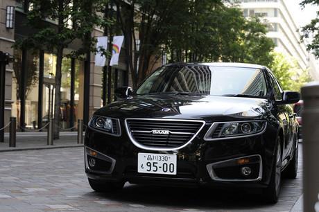 """サーブ9-5エアロXWD(4WD/6AT)……721万9000円13年ぶりにフルモデルチェンジした「サーブ9-5」。""""二枚目..."""