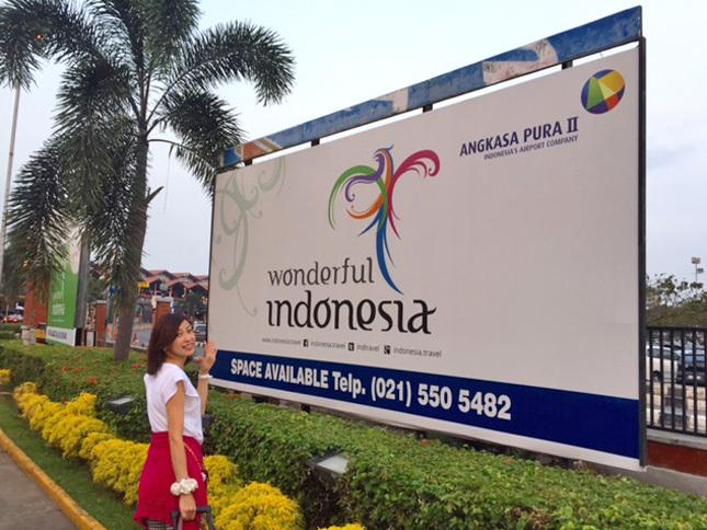 """2015年夏、「夏休み」の予定も特になかったので、8月にモーターショーが開催されるインドネシア・ジャカルタへ。どうやら私、仕事をしていないと不安になってしまう""""ワーカホリック""""みたい(笑)。この3泊5日の旅では、2つのモーターショーとスズキの新工場を巡りました!"""