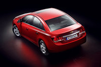 GMが新型「シボレークルーズ」を発表【パリサロン2008】