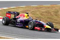金曜日、そして土曜日の予選とトラブル続きだったセバスチャン・ベッテル。予選Q3でマシンを止め、ギアボックス交換で5グリッド降格の15番グリッドと後方に追いやられてしまったが、レースでは3ストップを成功させリカルドに次ぐ4位フィニッシュ。チャンピオンにようやく笑顔が戻ってきた。(Photo=Red Bull Racing)