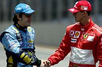 レース前、新旧チャンピオンがかたく握手。1990年代から続いたシューマッハー時代を止めたドライバーとして、アロンソの名が記憶されることだろう。(写真=Renault)